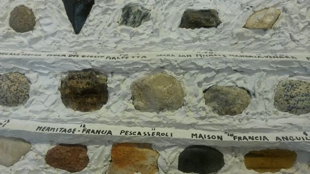 Stones used for crib made by netturbini