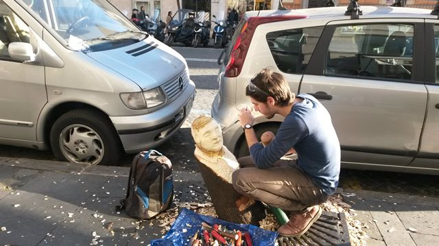 Street art in Rome: the sculptor Andrea Gandini