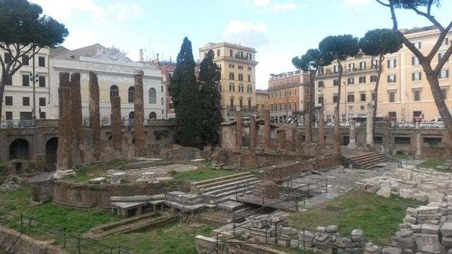 Largo di Torre Argentina a Roma