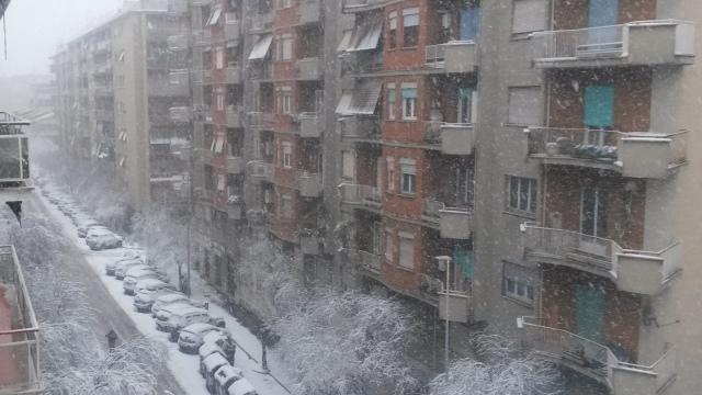 Neve a Roma: una strada