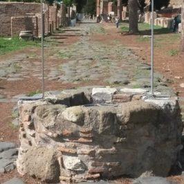 Pozzo sul Decumano di Ostia Antica